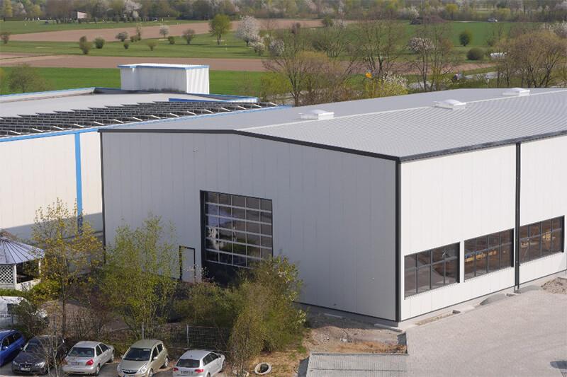 Erbau einer neuen Halle